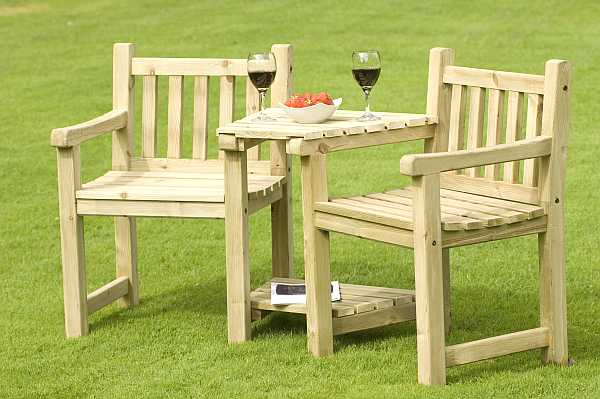 Atholl chunky love seat for Garden love seat uk