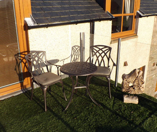 Waverley Bronze Cast Aluminium Suite